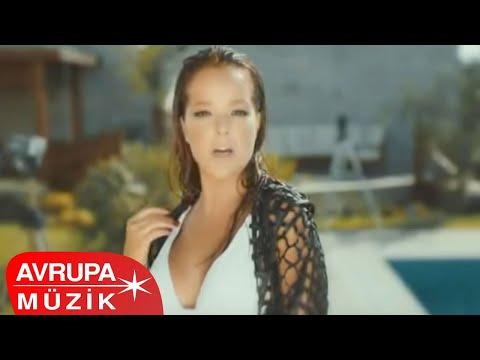 Bengü - Saat 03.00 (Official Video)