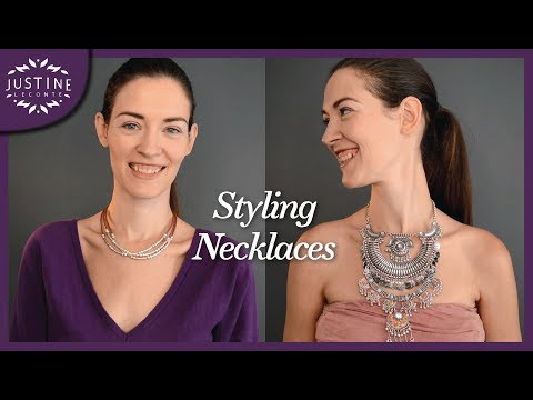 "How to style (statement) necklaces | ""Parisian chic"" 
