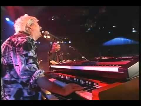Ian McLagan & The Bump Band - Live from Germany (local Austin band)