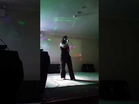 Lithium - karaoke cover - Sienna Mayfair - at The Aussie