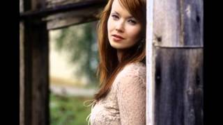 Johanna Kurkela- Rakkauslaulu (lyrics)