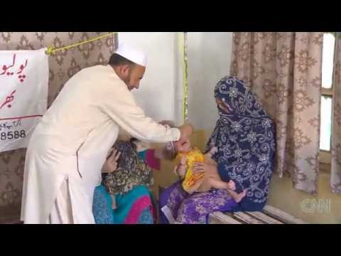 Pakistan :Health  Workers Attacked over Polio Vacine
