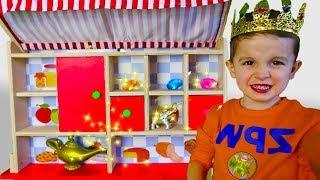 KuSaNiKi играют в магазин волшебных товаров / KuSaNiKi pretend play with magic toy shop