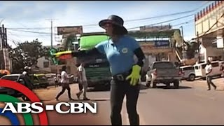 TV Patrol: Mga traffic enforcers sa Bukidnon, todo sa paghataw