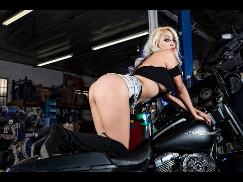 Photoshoot with MissKinkztah and a custom Harley