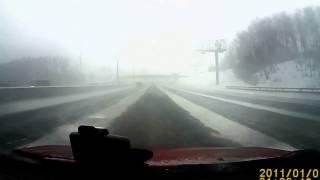 Снег, метель, видимость ноль и ДТП. видео снято 4.01.2017