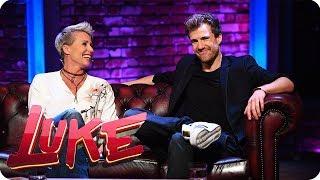 Talkshow Titel raten mit Sonja Zietlow  - LUKE! Die 90er und ich | SAT.1