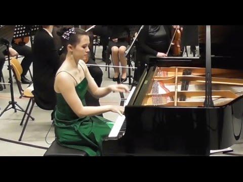 Nina Scheidmantel spielt Charles Camille Saint-Saëns Klavierkonzert Nr. 2