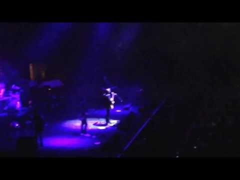 """Arctic Monkeys """"All My Loving"""" Beatles Cover At Madison Square Garden, NYC 2.8.2014"""