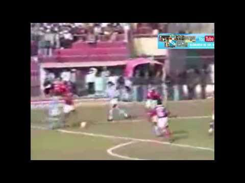 DESCENTRALIZADO 1994 1RA RUEDA SPORTING CRISTAL vs Cienciano en Cusco (1X0) Gol de Nolberto Solano. from YouTube · Duration:  18 seconds