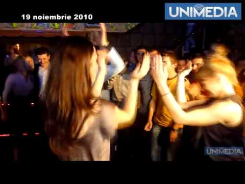Mihai Ghimpu își sărbătoreșteziua de naștere la discotecă, între tinerii liberali