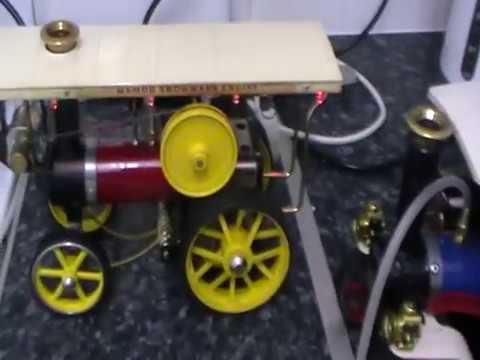 Aidan's Mamod steam engines run on Compressed Air