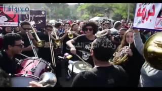 بالفيديو : جابر نصار يحتفال باليوم العالمى لمناهضة العنف ضد المرأة بجامعة القاهرة