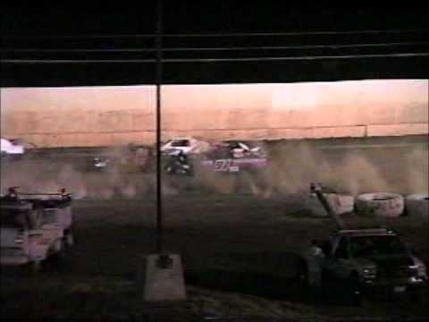 Controversial incident involving Shaun Merrit & Misty Castleberry. Marysville Raceway Park 6/23/12