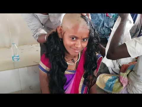 BEAUTIFULL GIRL WAITING FOR HEADSHAVE