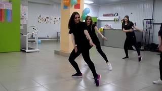 """Танцевальный подарок от тренеров """"Живи танцуя"""""""