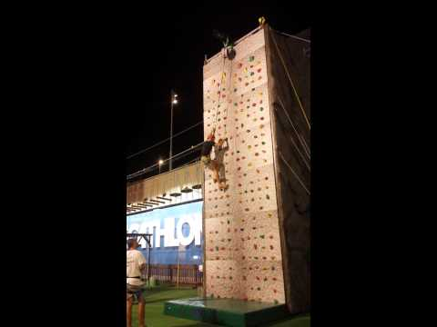 Climbing at the shopping mall Porta di Roma (등반 로마)