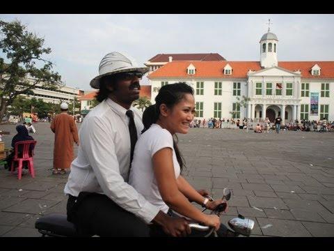 Wilbur in Jakarta, Indonesia Part 3: Cycling with Putri Minangsari