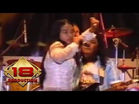 Dangdut - Goyang Dombret (Live Konser Sulawesi Tengah 2 Juli 2006)