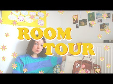 Room Tour 🌸🌧 (More of a talk in general)