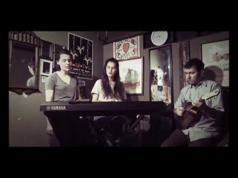 (1285) Lily & Madeleine and Zachary Scot Johnson Brandy Alexander Feist Cover thesongadayproject Ron