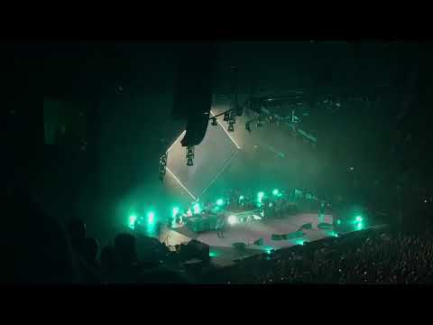 Foo Fighters (Live, Greensboro, NC 10/15/17) Run and All My Life