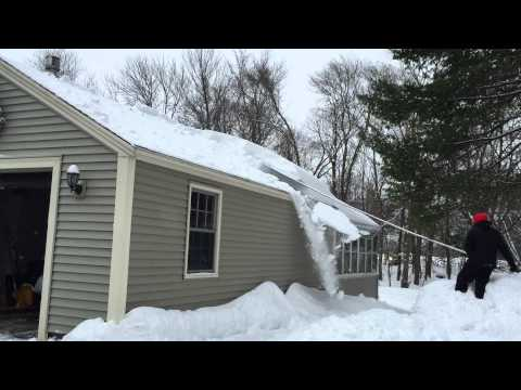 Roof Razor 174 Roof Rake Removing Snow In Sudbury Ma Pa