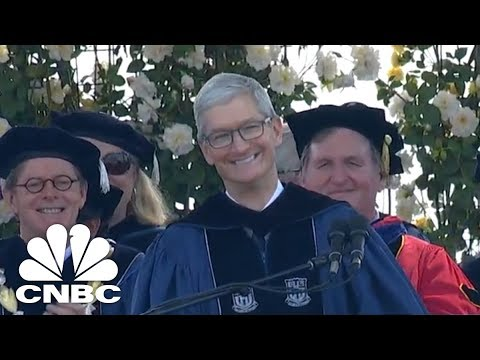 Apple CEO Tim Cook Touts Privacy At Duke Commencement Speech | CNBC