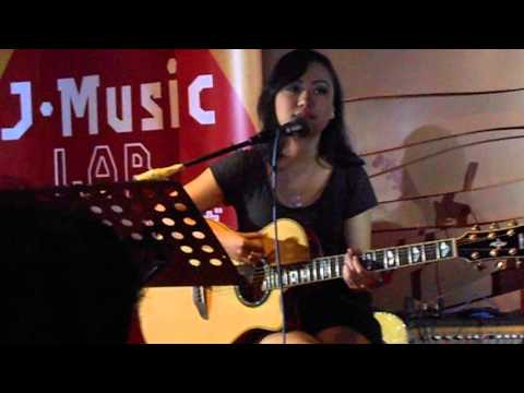 Aiu Ratna & Jesse (The_AIU) - *HILANG ACOUSTIC* @ J-Music Lab [23-11-2013]