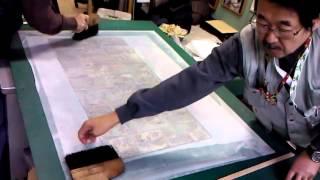 表具師「匠」の技で古美術を修復