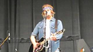 Watch Todd Snider Doll Face Live video