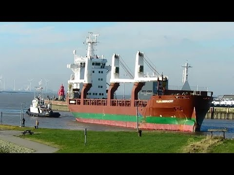 3 crane cargo seaship FLORIJNGRACHT PBSU IMO 9428413 inbound Emden merchant vessel & tug