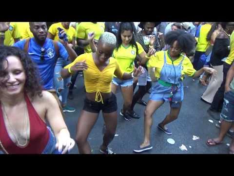 BRAZILIAN GIRLS DANCE AT BRAZILIAN CARNIVAL TO SAMBA CARNIVAL DRUMS ORCHESTRA MUSIC
