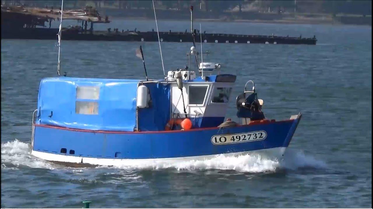 B luga petit bateau de p che c tier port delorient for Dans un petit bateau