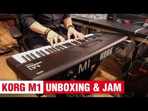 Korg M1 Unboxing & Jam