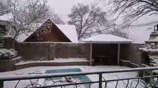 крым сегодня.  форос. снег.(10 февраля. южный берег. пгт Форос редкое здесь зрелище идет снег в таком количестве. жаль что больше часу..., 2015-02-10T09:50:28.000Z)
