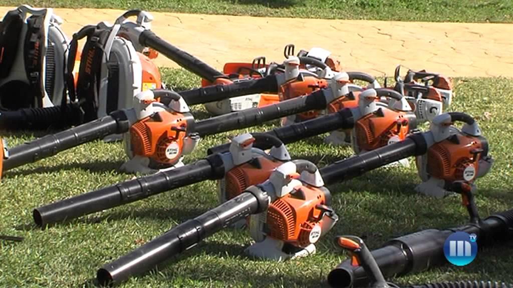 Nueva maquinaria para las delegaciones de limpieza y for Limpieza de jardines madrid