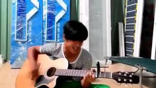 """Cover guitar """"Nắm lấy tay Anh"""" ngọt như mía lùi."""
