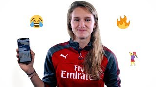 What's on Vivianne Miedema's phone? | Arsenal Women