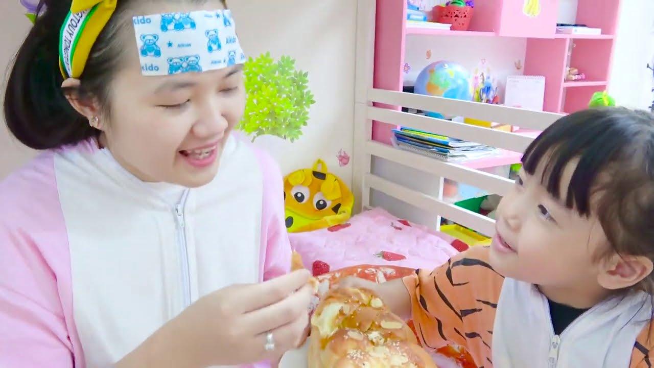 Sick Mom Song | 동요와 아이 노래 | 어린이 교육 | SuperHero Kids