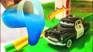 はたらくくるまがスライムまみれ!?パトカー カーズ マックイーン Milky Kids Toy