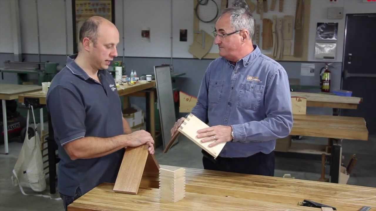 Assemblage queues droites pr sent par langevin et for Assemblage de meuble en bois