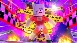 Crazy Old Lady Attacks The Pizzeria! Minecraft FNAF Roleplay