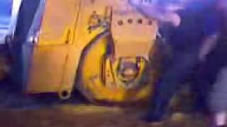 Застрял дорожный каток(Застрял дорожный каток., 2009-07-07T12:49:00.000Z)