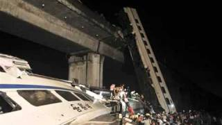 Subway trains crash in Shanghai, injuring hundreds