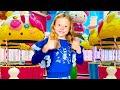 Nastya dengan teman-teman bersenang-senang di taman hiburan! Aktivitas dalam ruangan anak-anak