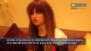 """""""Bin immer von mir selbst überrascht"""": Popstar Aura Dione in Moskau"""