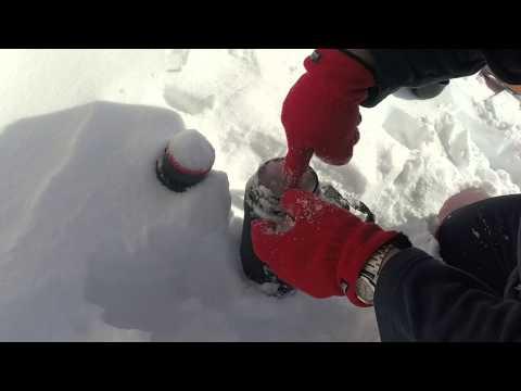 Slovak Geographic: collecting icicle sample, Kojšovská hoľa