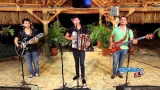 Los Nuevos Ilegales - Corrido Del 15 (En Vivo 2014)