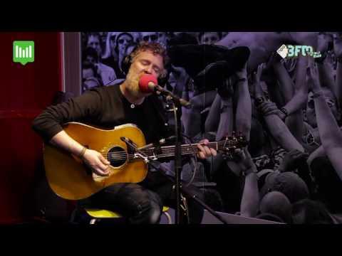 Glen Hansard - 'Hungry for Your Love' | MetMichiel | 3FM